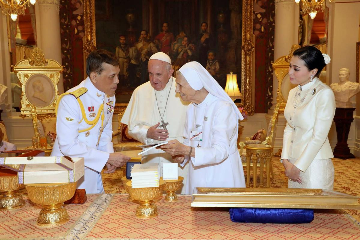 Pope Francis the King and Sr Ana